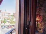 Alojamiento en Arévalo con vistas exteriores, terraza, cocina y salón comedor