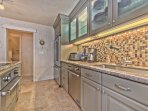Fully Equipped Kitchen with Granite Countertops, New Stainless Steel Appliances