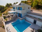 Villa Allegra with private heated pool, 3 bedrooms, 8 persons max