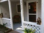 Quirky Country Cottage, downtown Tryon