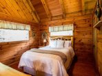 2nd level Queen Size Bedroom with Private Bathroom - Tub/Shower Combo