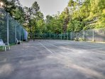 Challenge your travel companions to a tennis match at the nearby court!