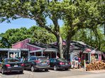 Very Popular PB Boulanderie - French Bistro and bakery - 1 mile from the house