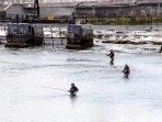 Fishing on the river Moy at Ballina