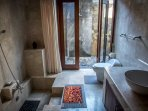 All marble en suite bathroom