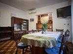 A1(8+1): dining room