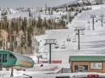 The condo is situated just a few steps from the lifts at Brian Head, making it a ski in/ski out unit.