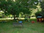 Parc paysager avec jeux pour petits et grands