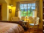 The king bedroom has an en suite full bath with tub/shower combination.