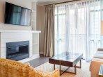 583 King St Living Room