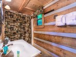 Main floor full bath with tub/shower