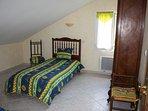 chambre sud 1er étage deux lits single