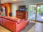 Living Room with 50' Flat Screen Plasma TV