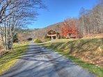 Paved driveway to Mountain Memories
