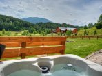 Hot Tub with Views of Mount Jefferson