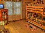 Bunk bedroom on main floor