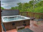 AMAZING 6-8 person hot tub