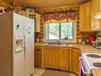 Prepare delicious home cooked meals in the fully equipped kitchen!