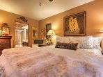 Curl up in this queen-sized bed for your best night'e sleep!