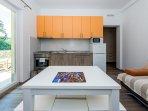 Orange Apartment - Kitchen