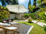 Orange Apartment - Garden patio