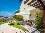 Orange Apartment - Furnished garden patio