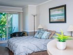 Beautiful Queen sized Oceanfront Studio Suite