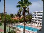 Lovely pool and plenty of sunbeds enjoy!
