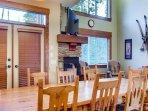 Snowbanks 1 Main Floor Dining Area