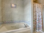 Jacuzzi Tub / Stand Alone Shower