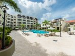 The pool area is designed for your best relaxation under the Aruban weather in or around the pool