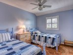 Bedroom - 2 twin beds - Upstairs