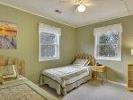 Twin Bedroom (NW Bedroom)