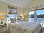 Queen Bedroom (S Bedroom)