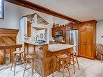 04_Ridgepoint-90_kitchen.jpg