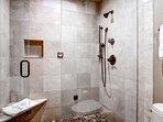 07_Ridgepoint-90_master-bath.jpg