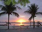Vista do por do sol da Praia do Siqueira. Uma  vila de pescadores, simples mas vale a visita.