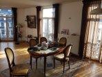 The livingroom+ breakfasttable