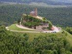 Photo aérienne du Rocher et de son environnement de plus de 4000 hectare de forêt