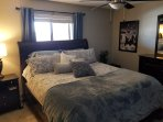 Bedroom with California King Tempurpedic Mattress, Quality linens