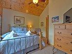 Bedroom 2 - Queen Bed, Upper Level