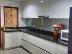 Modern kitchen (equipped with all your cooking needs)