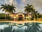 Beautiful Tropical Setting Mansion Close to the Beach
