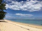 plage: lagon sécurisé à 50 m de la maison accès direct .