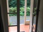 View throveough the front door of Gr