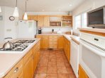 Indoors,Kitchen,Room,Oven,Microwave