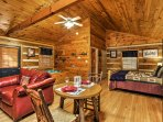 Escape to Pigeon Forge for a romantic woodland retreat with your loved one at this cozy studio which comfortably sleeps...