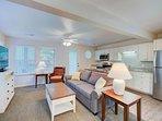Beachwoods Resort 3BDR Living Room/Kitchen