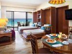 Emporio Hotel And Suites Cancun Double Bed With Dining Area