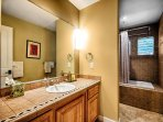 Surf's Up en suite with tub shower combo